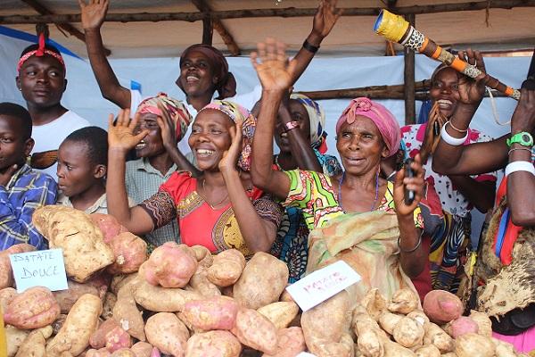 Sud-Kivu : Les petits commerçants frontaliers  peuvent de nouveau traverser la frontière avec le Rwanda et le Burundi
