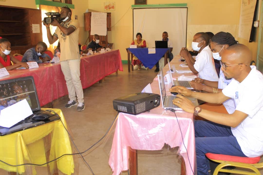 Lutte contre les fausses informations et rumeurs sur la maladie à coronavirus : 20 Journalistes outillés à Kalemie, province du Tanganyika