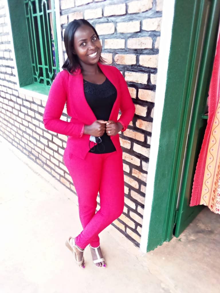 Florence UWISUGI, la très sportive journaliste du Rwanda